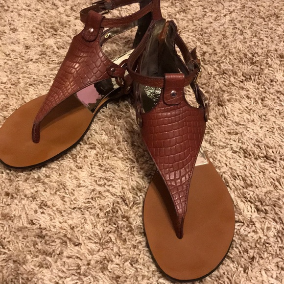 0f3bf9e9397 Vince Camuto Brown Averie Harness Wedge Sandal. M 5b54f088d8a2c794458b131b